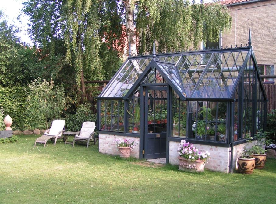 Gewächshaus Viktorianischer Stil alitex greenhouses elegante viktorianische wintergärten