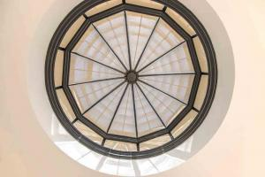 blinds-in-domed-rooflight
